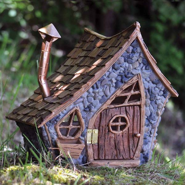 Fiddlehead Shingletown fairy house