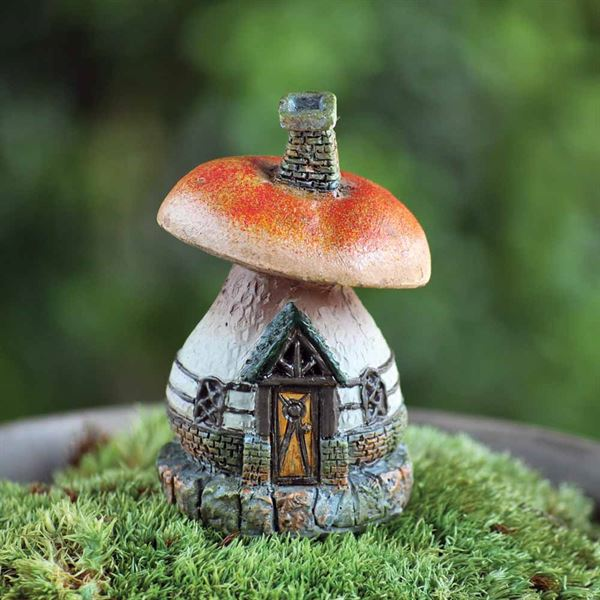 Fiddlehead fairy gardens- the micro-mini mushroom cottage house